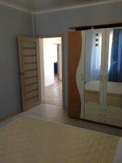 Первый этаж в двухэтажном доме, с отдельным входом, 70 кв.м. на 6 человек, 2 спальни, Симферопольская улица, 89, Евпатория - Фотография 2