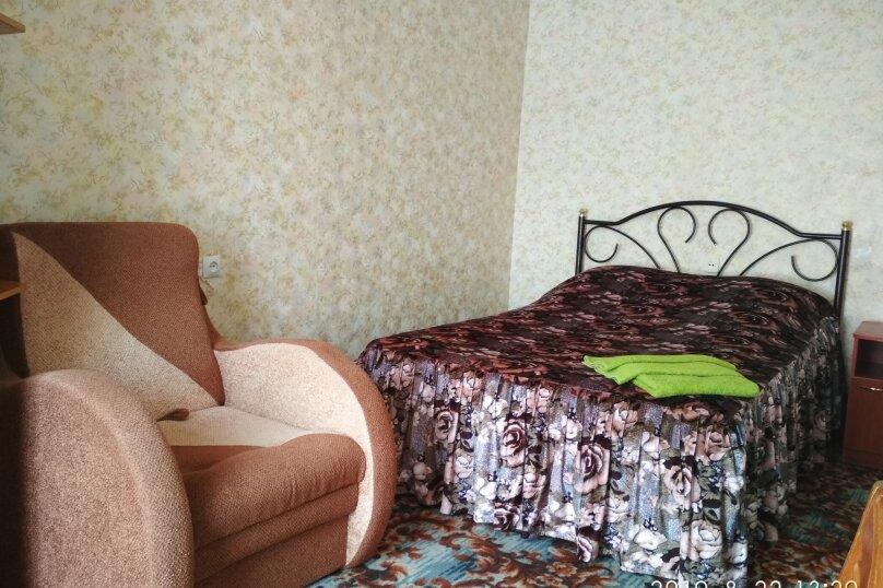 Эконом плюс двухкомнатный, Курортная улица, 6А, Керчь - Фотография 1
