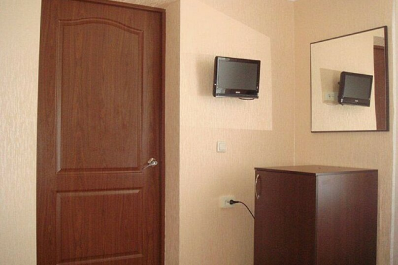 Комната №6(комфорт), село Псырцха, Сухумское шоссе, 154, Новый Афон - Фотография 1