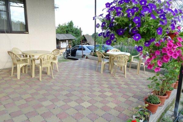 Гостевой дом , улица Захара Топчяна, 25 на 16 номеров - Фотография 1