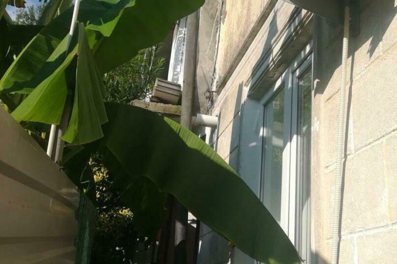 """Гостевой дом """"Марина"""", Кабардинская улица, 43/2 на 8 комнат - Фотография 2"""