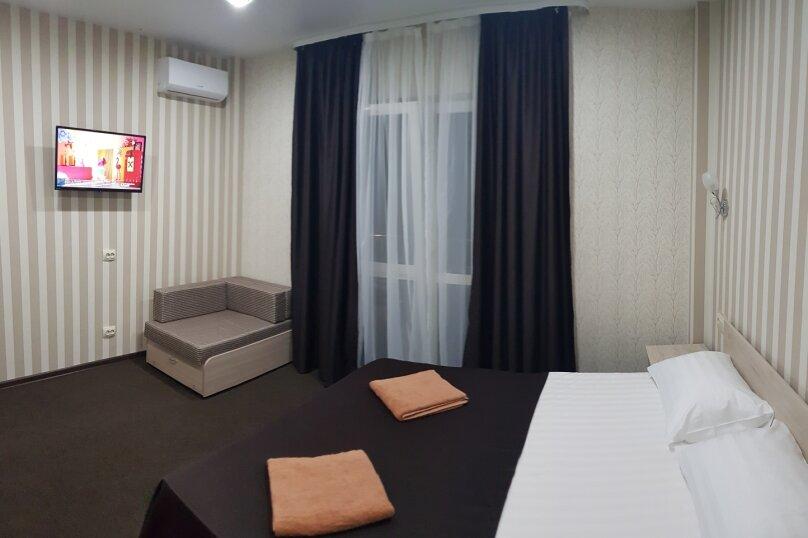 Двухместный с балконом , Ленина, 48, Новомихайловский - Фотография 1