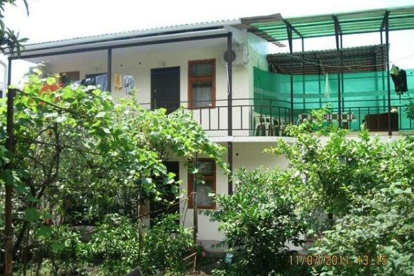 Частный гостевой дом, улица Рашида Гечба, 3 на 4 номера - Фотография 1