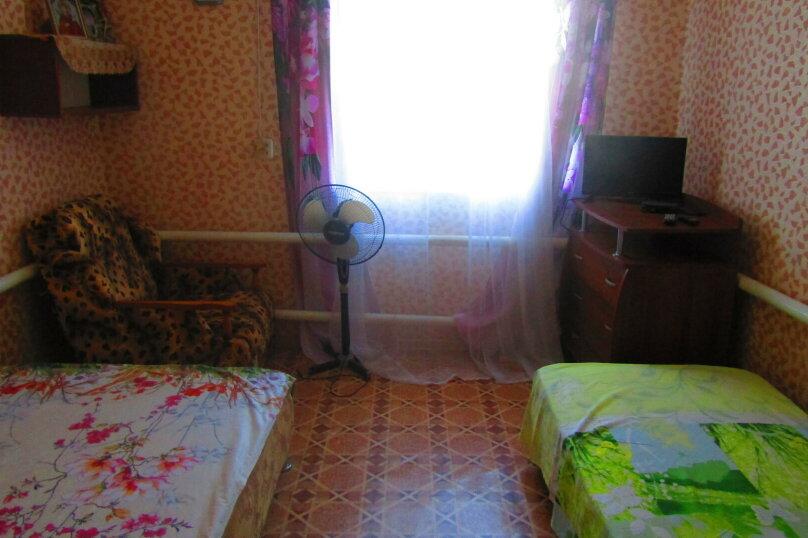 Отдельный дом с тремя изолированными спальнями, 130 кв.м. на 10 человек, 3 спальни, улица Чапаева, 93, Должанская - Фотография 9
