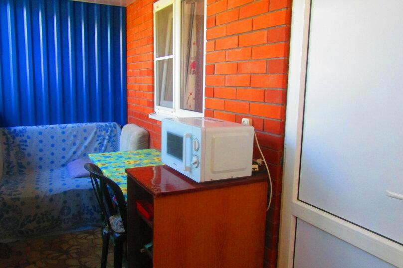 Отдельный однокомнатный домик с кухней, санузлом в гостевом дворе, улица Чапаева, 93, Должанская - Фотография 8