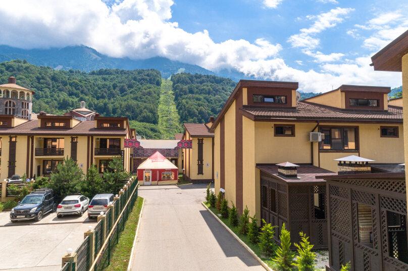 """Гостиничный Комплекс  """"Mountain Villas"""", Берёзовая улица, 106/1 на 12 комнат - Фотография 2"""