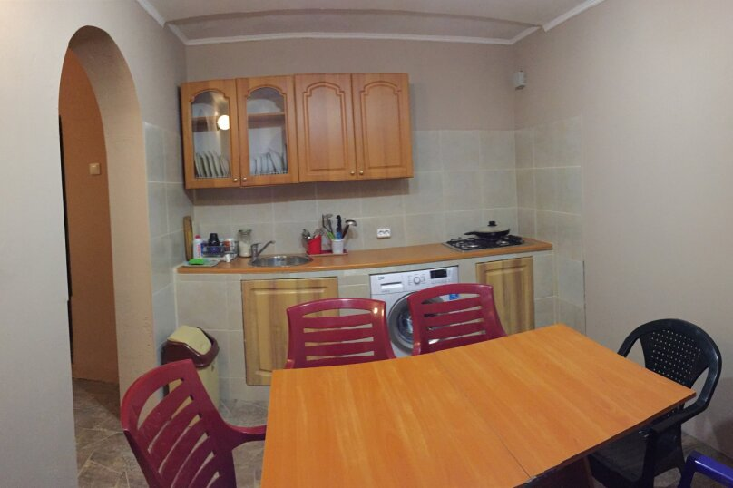 Домик-апартаменты с отдельным входом на 6-7 гостей, 75 кв.м. на 6 человек, 2 спальни, улица Ленина, 49Г, Морское - Фотография 2