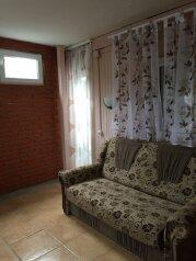 Домик-апартаменты с отдельным входом на 6-7 гостей, 75 кв.м. на 6 человек, 2 спальни, улица Ленина, 49Г, Морское - Фотография 3
