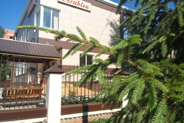 Гостиница , улица Льва Толстого, 60 на 10 номеров - Фотография 1