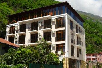 Отель, улица Русских Добровольцев, 43 на 16 номеров - Фотография 2