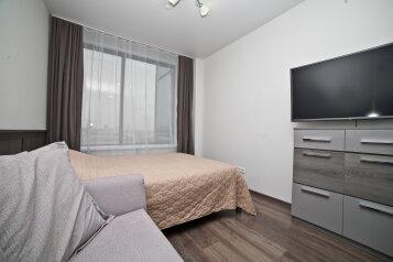 1-комн. квартира, 32 кв.м. на 4 человека, улица Малышева, 42А, Екатеринбург - Фотография 1