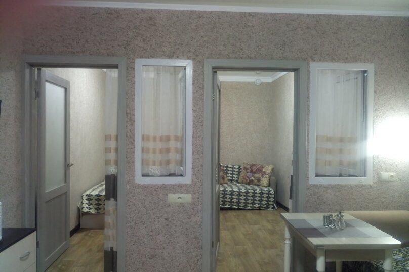 2-комн. квартира, 30 кв.м. на 5 человек, ул. Урицкого, 4, Алушта - Фотография 1