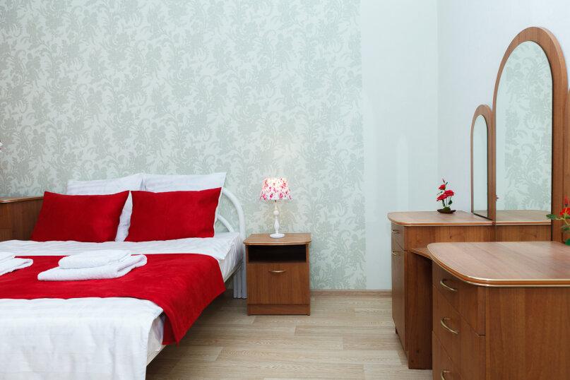 2-комн. квартира, 55 кв.м. на 4 человека, улица 9 Мая, 38, Красноярск - Фотография 13