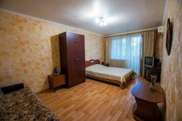 1-комн. квартира, 29 кв.м. на 4 человека, улица Ленина, 45, Алушта - Фотография 2