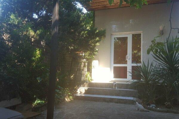 Дом, 80 кв.м. на 6 человек, 2 спальни, улица Гагарина, 29, Судак - Фотография 1