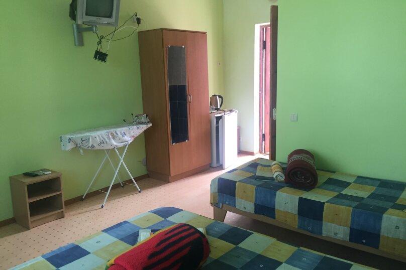 """Гостевой дом """"Розовый"""", улица морская, 4 на 18 комнат - Фотография 2"""