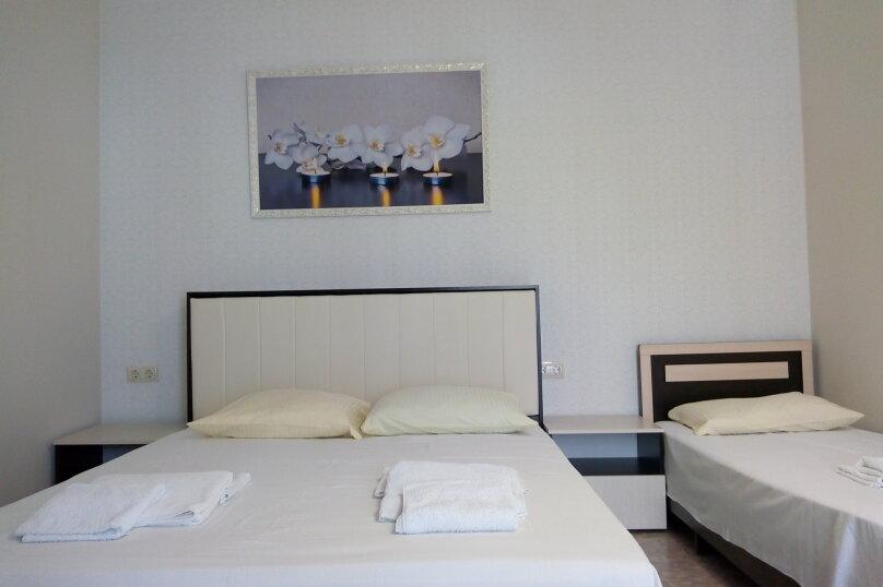 Отдельная комната, улица Океанологов, 21, Геленджик - Фотография 1