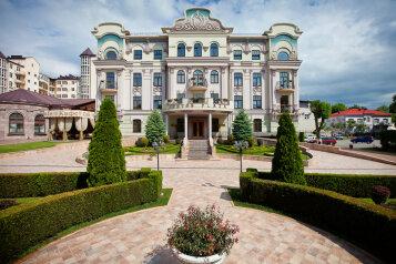 """Отель """"Pontos Plaza"""", улица Анджиевского, 25А на 18 номеров - Фотография 1"""