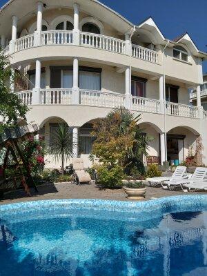 Апартаменты  с бассейном., 140 кв.м. на 6 человек, 2 спальни, улица Лазурная, 16, Отрадное, Ялта - Фотография 1