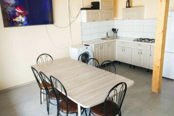 Коттедж 150 м² на участке 10 сот, 150 кв.м. на 10 человек, 4 спальни, дер. Яльгелево, Солнечная, Участок 23, Санкт-Петербург - Фотография 2
