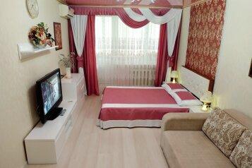 1-комн. квартира, 35 кв.м. на 4 человека, проспект Октябрьской Революции, 67, Севастополь - Фотография 1