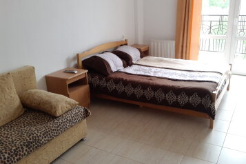 1-комн. квартира, 44 кв.м. на 4 человека, улица Циолковского, 54, Геленджик - Фотография 1
