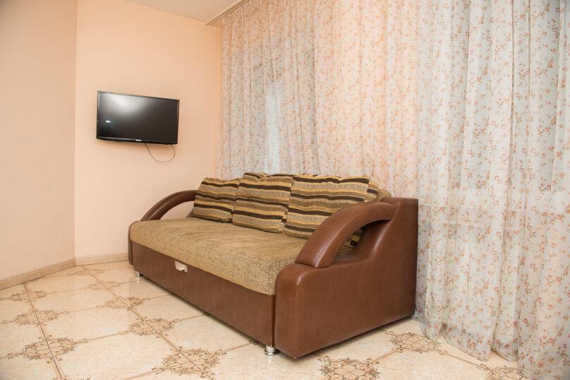 1-комн. квартира, 65 кв.м. на 4 человека, улица Дзержинского, 20, Иркутск - Фотография 10