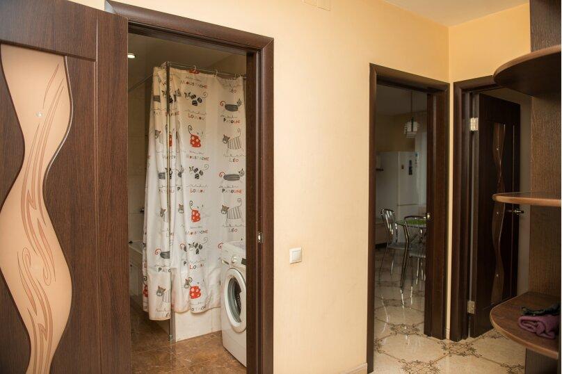 1-комн. квартира, 65 кв.м. на 4 человека, улица Дзержинского, 20, Иркутск - Фотография 15