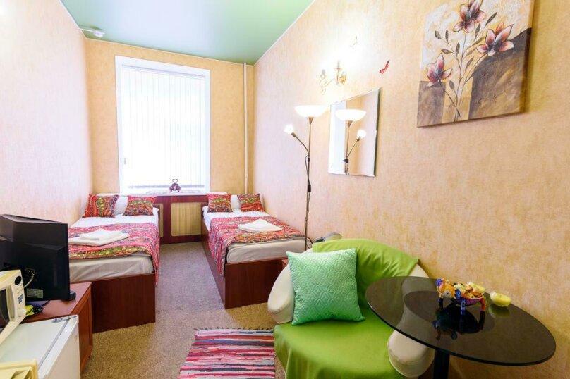 Двухместный номер с 1 кроватью или 2 отдельными кроватями и общей ванной комнатой , улица Некрасова, 8, Санкт-Петербург - Фотография 1