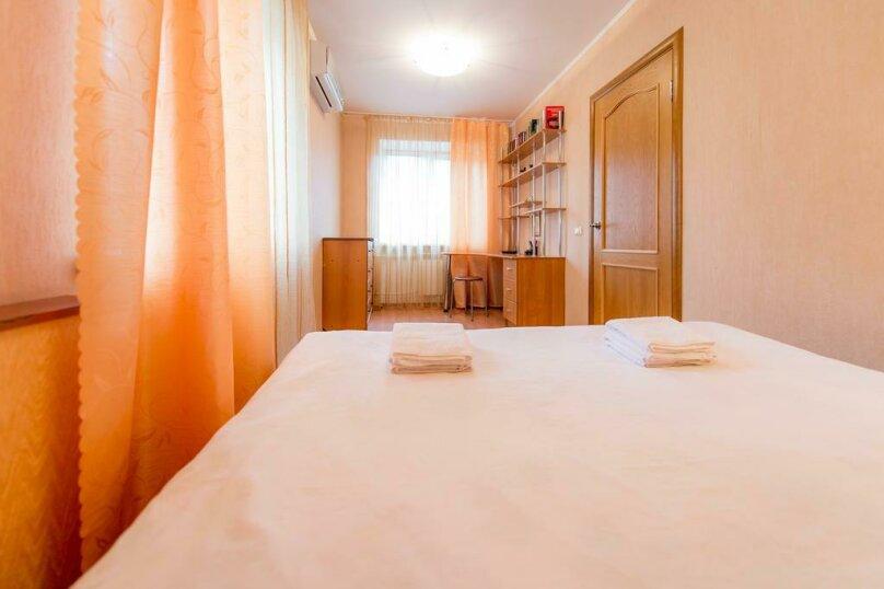 2-комн. квартира, 54 кв.м. на 4 человека, улица Энгельса, 69, Челябинск - Фотография 11