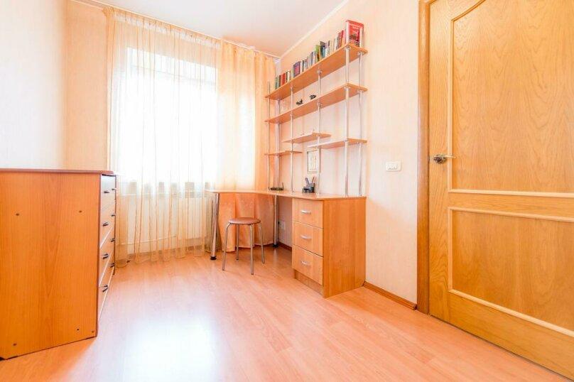 2-комн. квартира, 54 кв.м. на 4 человека, улица Энгельса, 69, Челябинск - Фотография 12