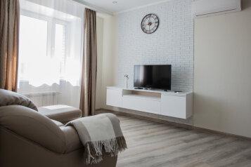 1-комн. квартира, 40 кв.м. на 3 человека, улица Красный Путь, 105к1, Омск - Фотография 1