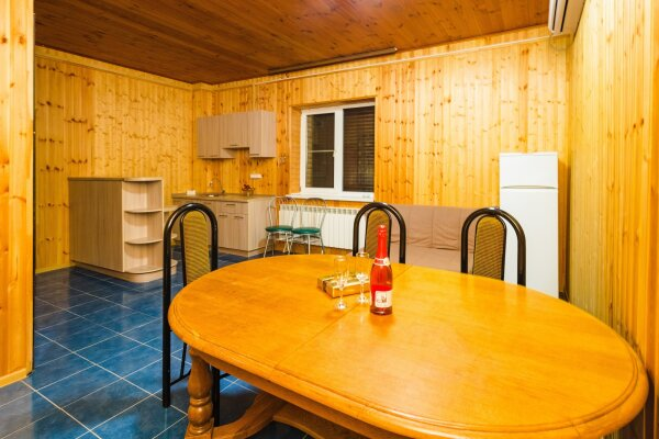 Дом, 210 кв.м. на 11 человек, 2 спальни, улица Кирова, 2, Анапа - Фотография 1