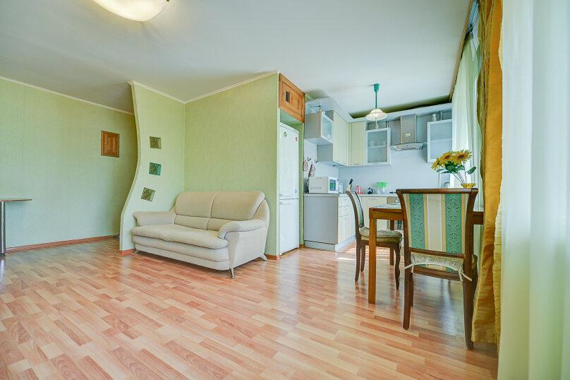 2-комн. квартира, 54 кв.м. на 4 человека, улица Энгельса, 69, Челябинск - Фотография 7