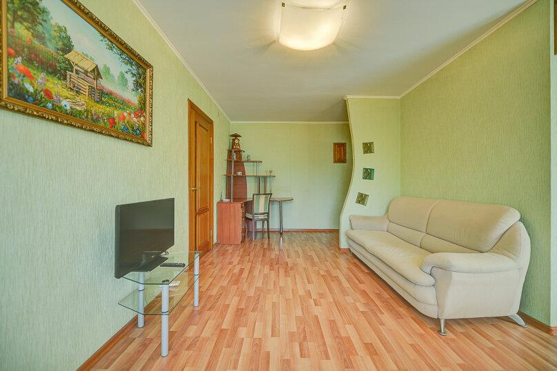 2-комн. квартира, 54 кв.м. на 4 человека, улица Энгельса, 69, Челябинск - Фотография 8