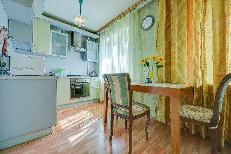 2-комн. квартира, 54 кв.м. на 4 человека, улица Энгельса, 69, Челябинск - Фотография 10
