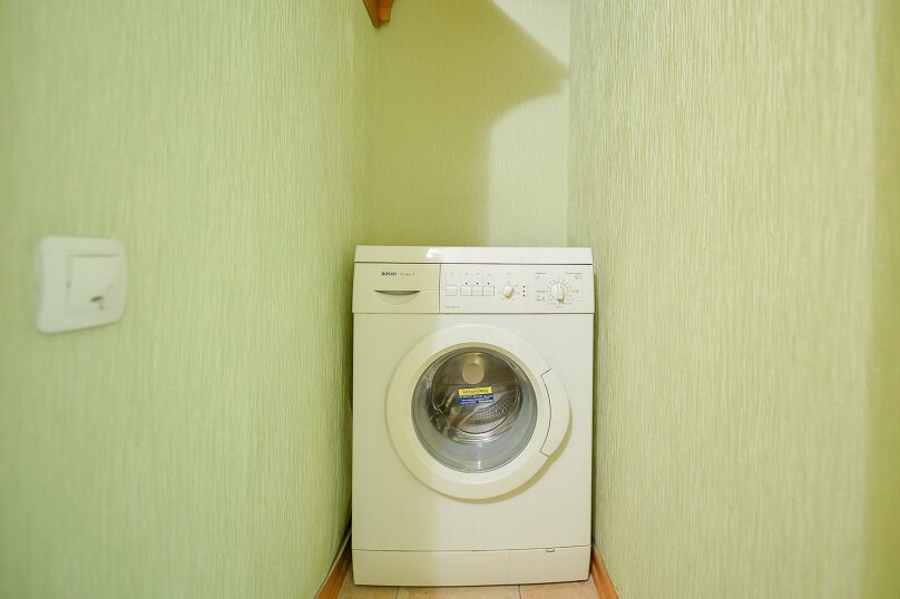 2-комн. квартира, 54 кв.м. на 4 человека, улица Энгельса, 69, Челябинск - Фотография 15