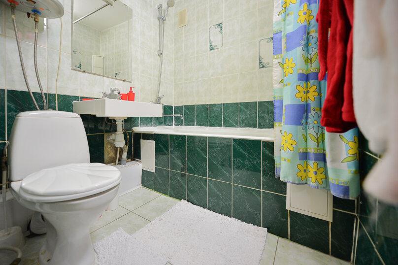 2-комн. квартира, 54 кв.м. на 4 человека, улица Энгельса, 69, Челябинск - Фотография 16