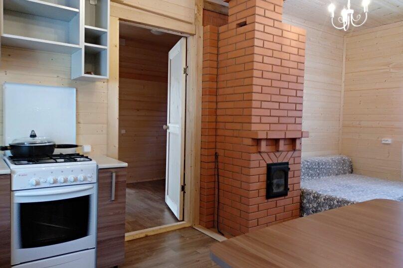 Дом на Селигере, Горница., 80 кв.м. на 8 человек, 3 спальни, Береговая, 4, Осташков - Фотография 2