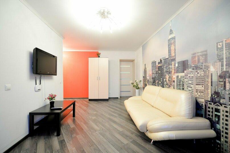 2-комн. квартира, 60 кв.м. на 5 человек, улица Сони Кривой, 61, Челябинск - Фотография 8
