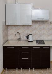 1-комн. квартира, 15 кв.м. на 2 человека, улица 51-й Армии, 1, Керчь - Фотография 2