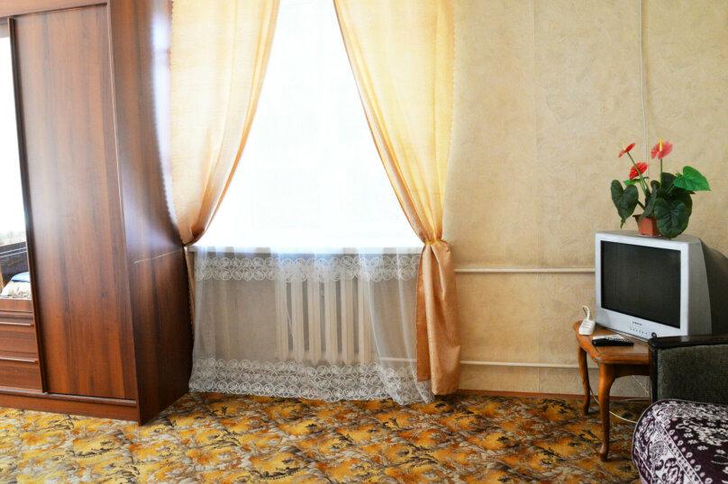 1-комн. квартира, 36 кв.м. на 4 человека, Рабоче-Крестьянская улица, 7, Волгоград - Фотография 6