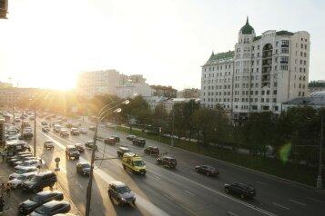 2-комн. квартира, 56 кв.м. на 4 человека, Садовая-Триумфальная улица, 18-20, Москва - Фотография 2