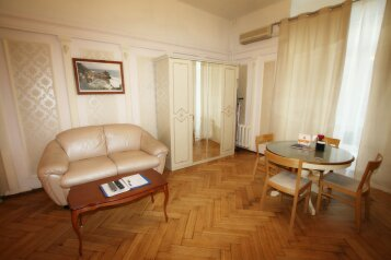 1-комн. квартира, 43 кв.м. на 4 человека, Большой Гнездниковский переулок, 10, Москва - Фотография 2