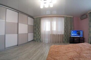 1-комн. квартира, 40 кв.м. на 2 человека, проспект Октябрьской Революции, 23к1, Севастополь - Фотография 1