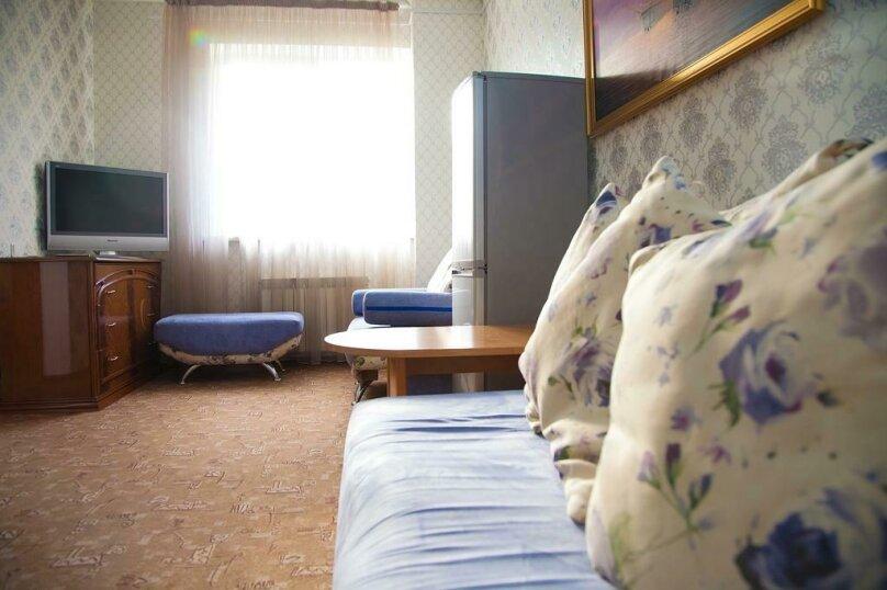 Отель «Утомленные Солнцем», улица Мичурина, 5 на 44 номера - Фотография 31