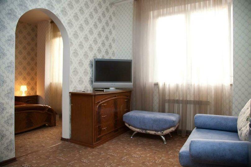 Отель «Утомленные Солнцем», улица Мичурина, 5 на 44 номера - Фотография 35