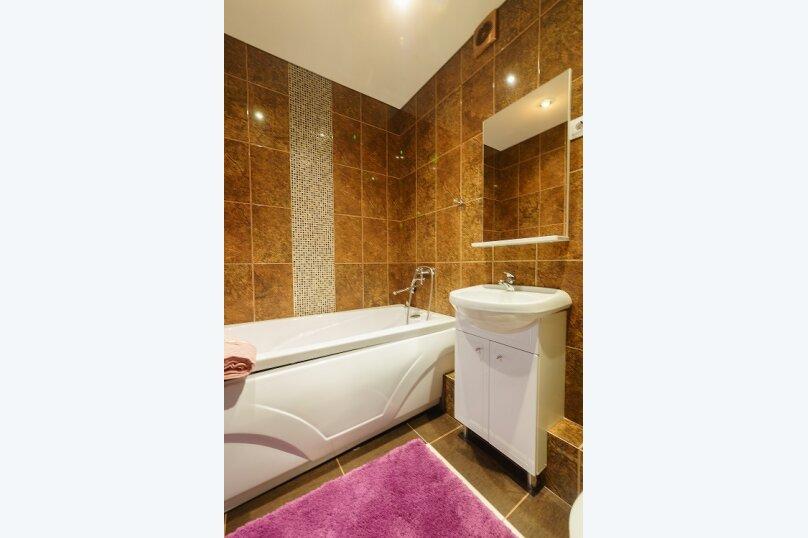 2-комн. квартира, 55 кв.м. на 4 человека, улица Сакко и Ванцетти, 59, Саратов - Фотография 5