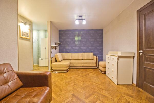 2-комн. квартира, 46 кв.м. на 8 человек, Есенинский бульвар, 2/24, Москва - Фотография 1