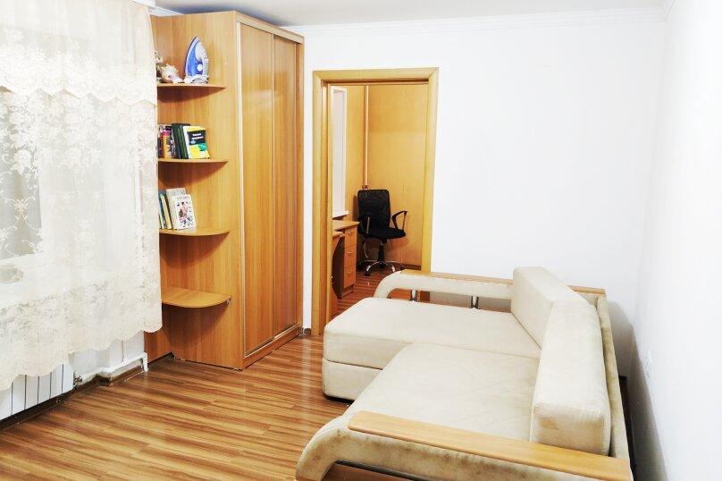 3-комн. квартира, 57 кв.м. на 5 человек, улица Станюковича, 54Г, Владивосток - Фотография 11